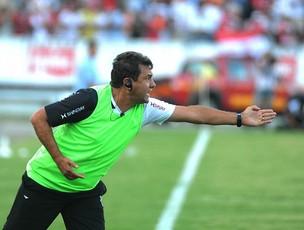 Zé Teodoro, técnico do Santa Cruz (Foto: Antônio Carneiro)