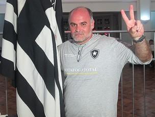 Mauricio Assumpção botafogo (Foto: Thiago Fernandes/Globoesporte.com)
