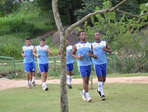 Jogadores do São Bento correm no parque do Campolim (Foto: Divulgação)