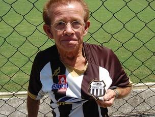 Torcedor do Central (Foto: Tiago Medeiros / GloboEsporte.com)