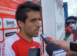 Jogador Ilsinho, do Inter, concede entrevista (Foto: Diego Guichard)