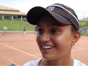 Tenista Erika Pereira, de 14 anos, é destaque no esporte de Jundiaí (Foto: Wellington Silva)