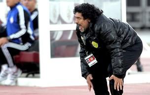 Maradona na partida do Al-Wasl (Foto: AFP)