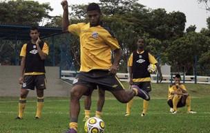 Paulo Henrique, lateral-esquerdo (Foto: Vinícius Vieira/Santos F.C.)