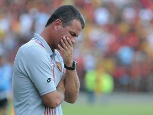 Mazola, técnico do Sport (Foto: Aldo Carneiro)