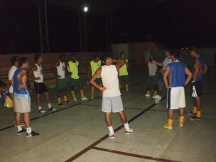 Time da Barra dos Coqueiros durante treino (Foto: Divulgação)