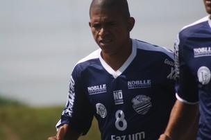 Elionar Bombinha, atacante do Comercial-SP (Foto: Cleber Akamine / GLOBOESPORTE.com)