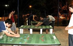 Torneio de futebol de mesa, disputado em Manaus (Foto: Frank Cunha /GLOBOESPORTE.COM)