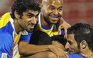 Craques do Al Gharafa festejam gol (Foto: Divulgação)