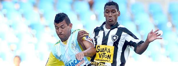 Bruno Thiago Botafogo x Macaé (Foto: Ivo Gonzalez / Agência O Globo)