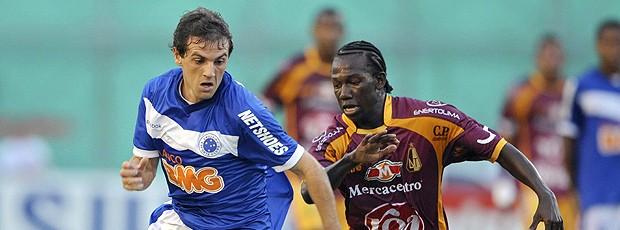 Montillo Cruzeiro Diego Chara Tolima (Foto: AFP)