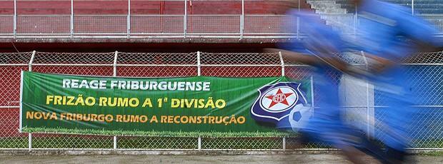 Faixa friburguense 1ª divisão (Foto: Alexandre Durão / Globoesporte.com)