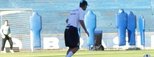 Treino de goleiros do Grêmio (Foto: Eduardo Cecconi/Globoesporte.com)