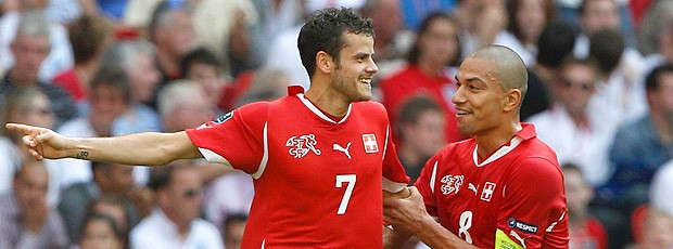 Barnetta gol Suíça (Foto: Reuters)