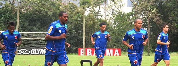 jogadores no treino do Flamengo (Foto: Janir Junior / GLOBOESPORTE.COM)
