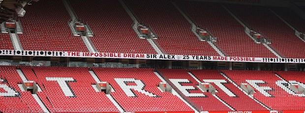 Faixa Alex Ferguson Old Trafford (Foto: Divulgação)
