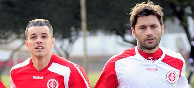 rafael sobis dalessandro internacional treino (Foto: Alexandre Lops / Site Oficial do Internacional)
