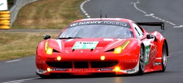 Jaime Melo Jr. acelera fundo a Ferrari (Foto: Divulgação)