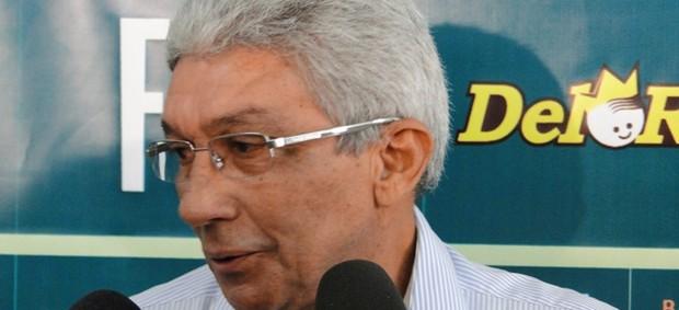 Técnico do América-MG, Givanildo Oliveira (Foto: Valeska Silva / Globoesporte.com)
