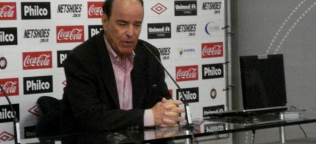 Lopes concede entrevista na Arena (Foto: Fernando Freire/Globoesporte.com)