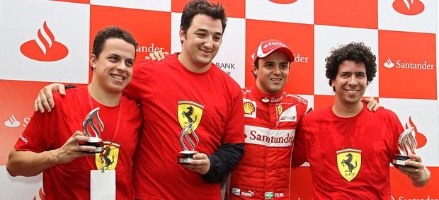 Felipe Massa dá uma aula de pilotagem para os jornalistas (Foto: Ney Massi / MF2)