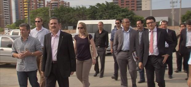 http://s.glbimg.com/es/ge/f/620x283/2011/12/09/comitiva_fifa_fortaleza.jpg