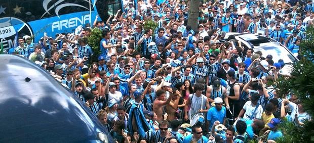 Recepção do Grêmio em Bento Gonçalves (Foto: Luciano Calheiros/RBS TV)