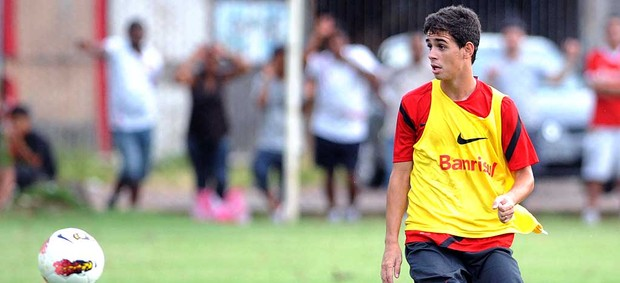 Oscar no treino do Internacional (Foto: Ag. Estado)