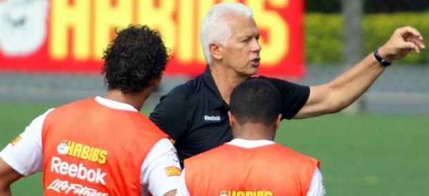 Emerson Leão, técnico do São Paulo (Foto: Anderson Rodrigues / globoesporte.com)