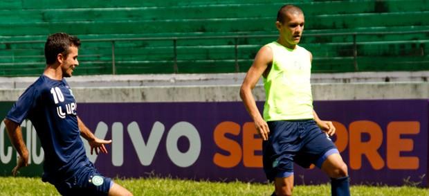 Danilo Sacramento e Bruno Recife (Foto: Rodrigo Gianesi / Globoesporte.com)