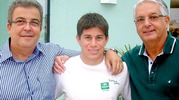 Vice de futebol do Fluminense  Alcides Antunes, e Celso Barros, presidente da Unimed-Rio e Conca (Foto: Divulgação)