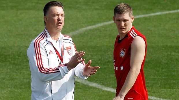 Louis van Gaal e Bastian Schweinsteiger no treino do Bayern de Munique