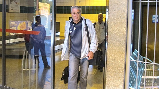 Tite no desembarque do Corinthians