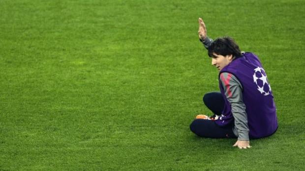 Lionel Messi no treino do Barcelona (Foto: Reuters)