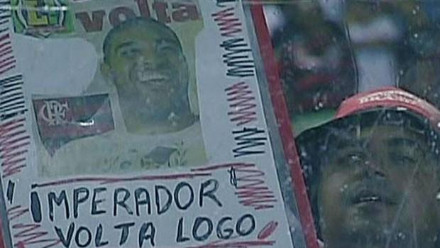 adriano frame torcida  (Foto: Reprodução/TV Globo)
