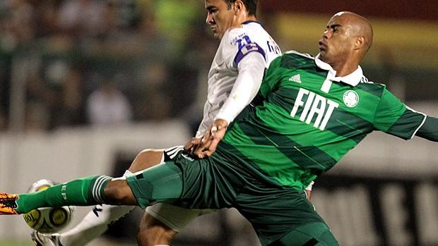 Thiago Heleno na partida do Palmeiras contra o Prudente (Foto: Ag. Estado)