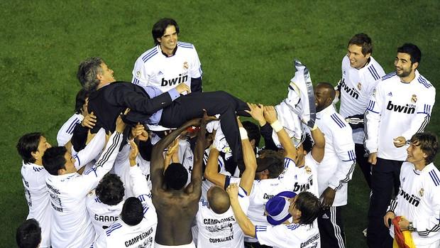Real Madrid comemora título da Copa do Rei contra o Barcelona (Foto: AFP)