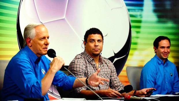Ronaldo comenta a partida entre Real Madrid e Barcelona (Foto: Marcos Ribolli / GLOBOESPORTE.COM)