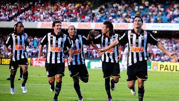 Ganso comemora gol do Santos contra o São Paulo (Foto: Marcos Ribolli / GLOBOESPORTE.COM)