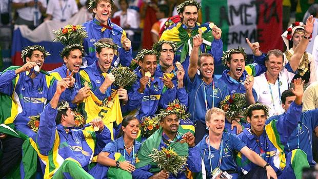 comemoração Brasil vôlei Olimpíadas 2004 (Foto: Getty Images)