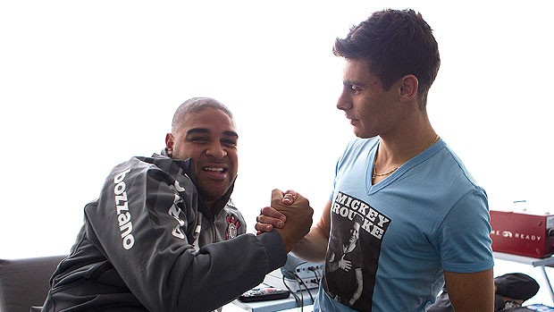 Adriano e Alex no Corinthians (Foto: Ag. Estado)