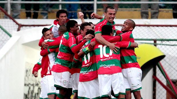 jogadores portuguesa gol náutico (Foto: Miguel Schincariol / Agência Estado)