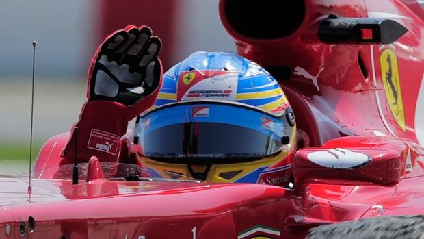 Alonso pódio GP da Espanha (Foto: AFP)