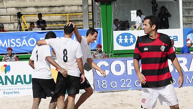 Futebol de areia Corinthians x Flamengo (Foto: Marcio James / Divulgação)