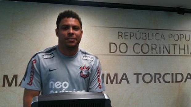 Ronaldo treina no CT do Corinthians (Foto: Divulgação / Twitter)