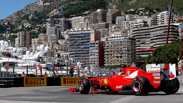 Alonso no treino da Fórmula 1 em Mônaco (Foto: AP)