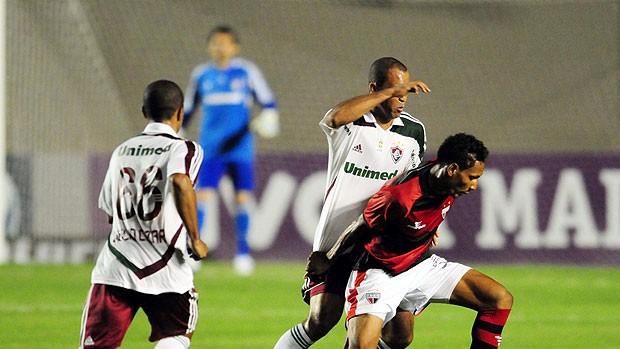 Julio Cesar destaca a forte marcação na vitória tricolor (Cristiano Borges / Photocamera)