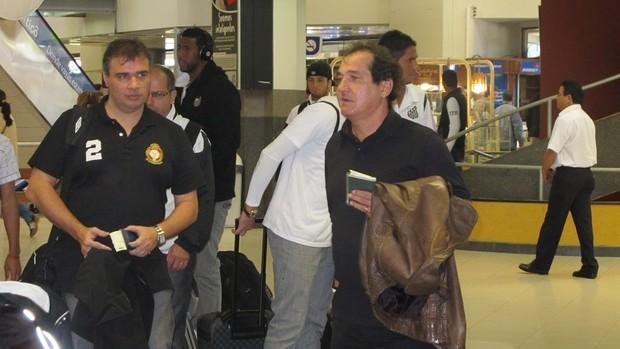 Muricy Ramalho, embarque Santos no Paraguai (Foto: Adilson Barros/GLOBOESPORTE.COM)