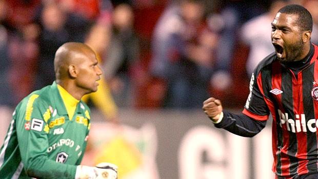 Jefferson assume culpa pelo segundo gol do Atlético-PR