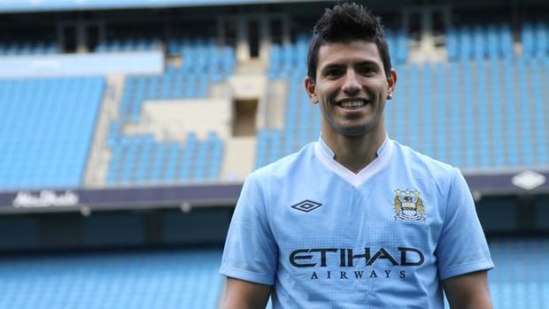 Agüero com a camisa do Manchester City (Foto: Divulgação)